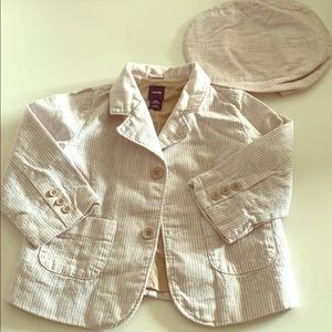 Gap outfit Jacket w/ Hat 6-12 months